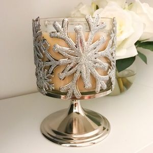 Bath and Body Works snowflake candle holder